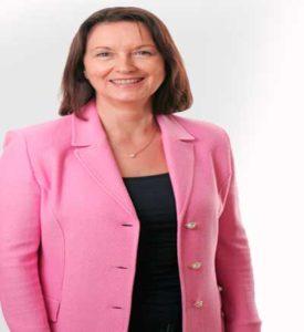 Mujer-agradecida-con-servicio-whirlpool-oficial-cuernavaca-queretaro-negocio1.com-mark